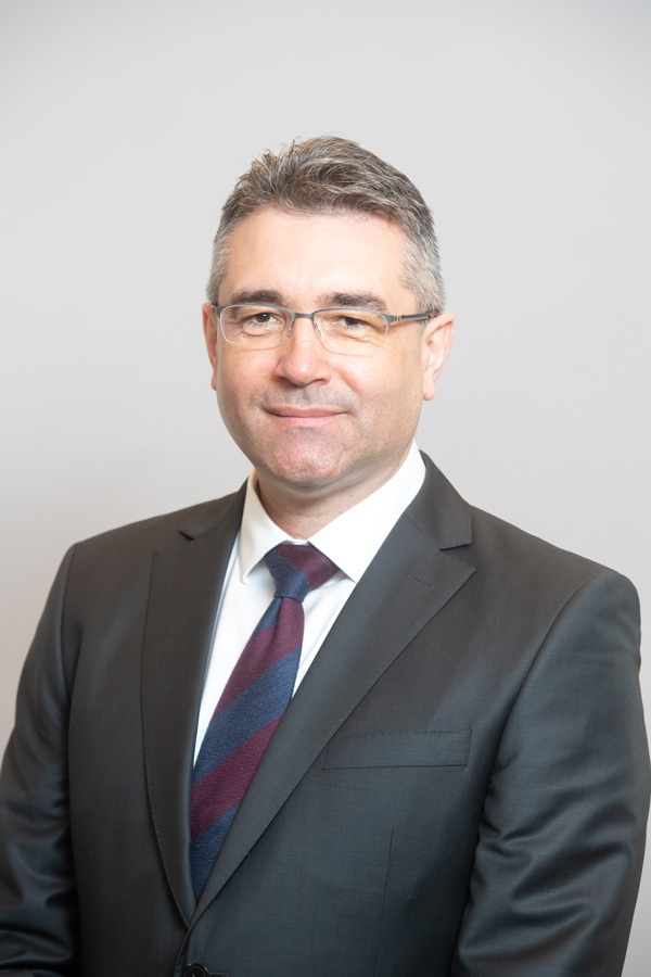 Leontin Toderici, Director General Adjunct Operaţiuni, Banca Transilvania